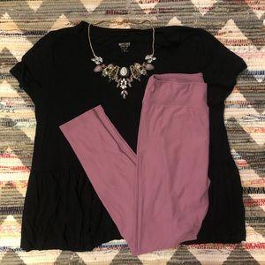 LuLaRoe Lilac Leggings & Black Mossimo Flowy Top